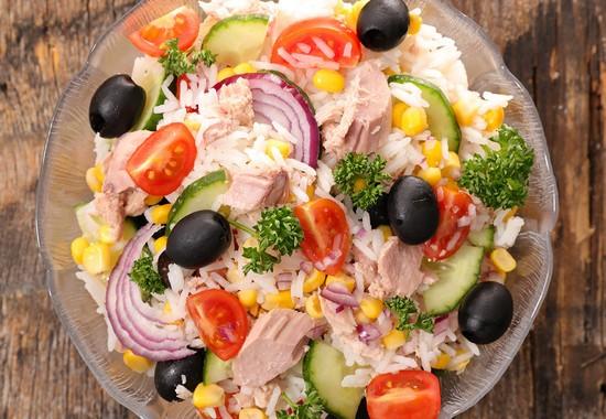Salade de riz - Salade de riz pour 10 personnes ...